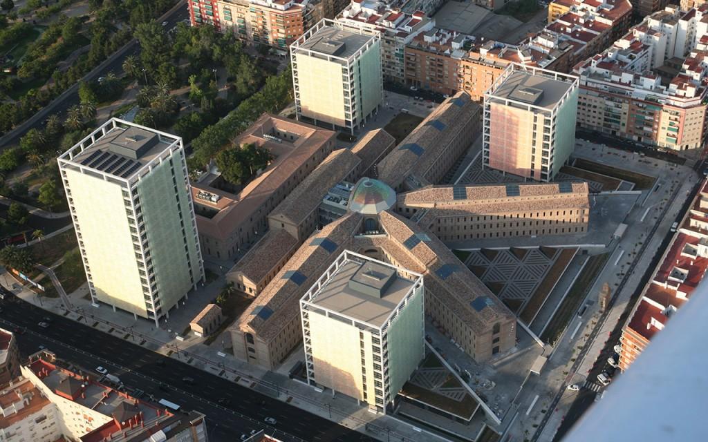Ciudad Administrativa 9 de Octubre – PREMIO SOLUCIÓN EN VIDRIO