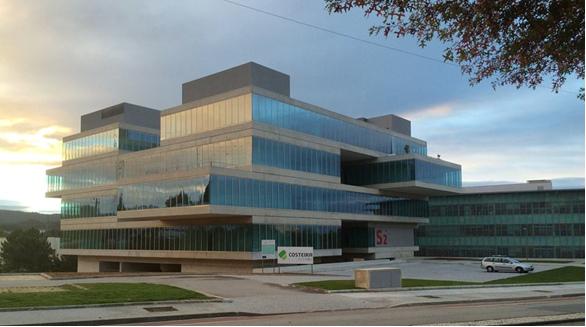 Sanjotec 2 -Centro Empresarial e Tecnológico – PREMIO MEJOR SOLUCIÓN EN VIDRIO